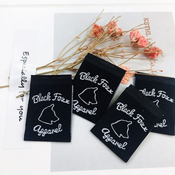 wholesale center fold clothing labels 4
